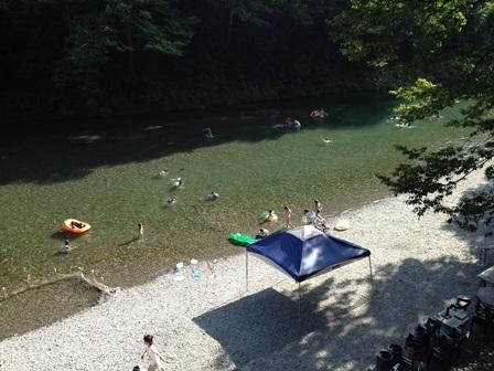 伊奈キャンプ村 東京 秋川渓谷バーベキュー 渓谷バーベキュー 川遊び